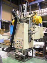 吊下げ式シリンダーヘッド6軸締付機<br /> Variable Bolting Unit for Cylinder Head